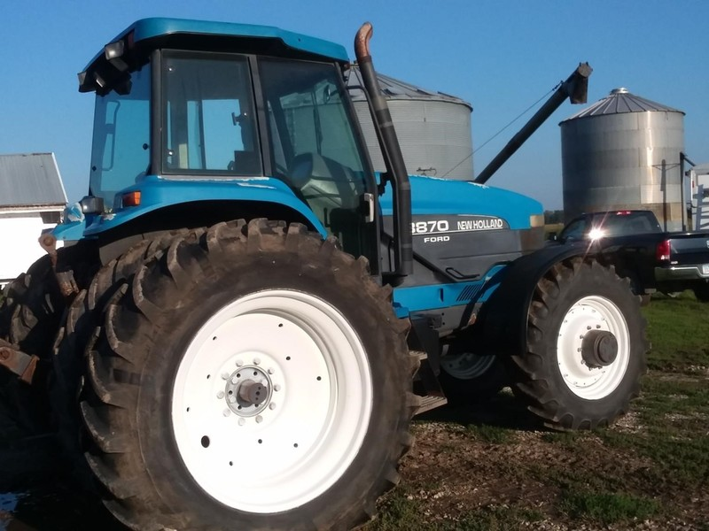 1998 New Holland 8870 Tractor