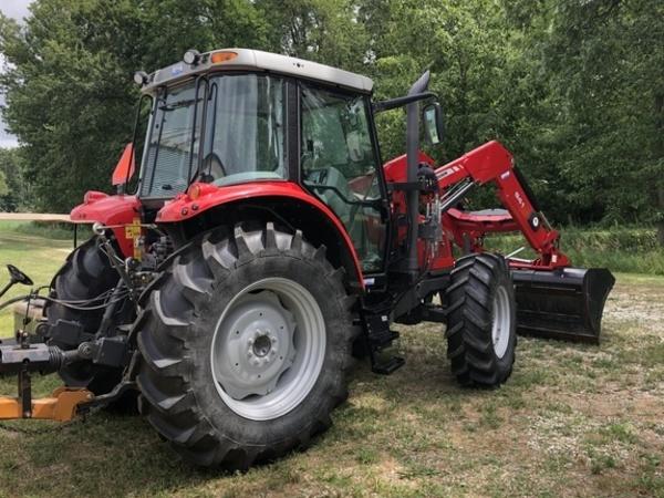 2013 Massey Ferguson 5455 Tractor
