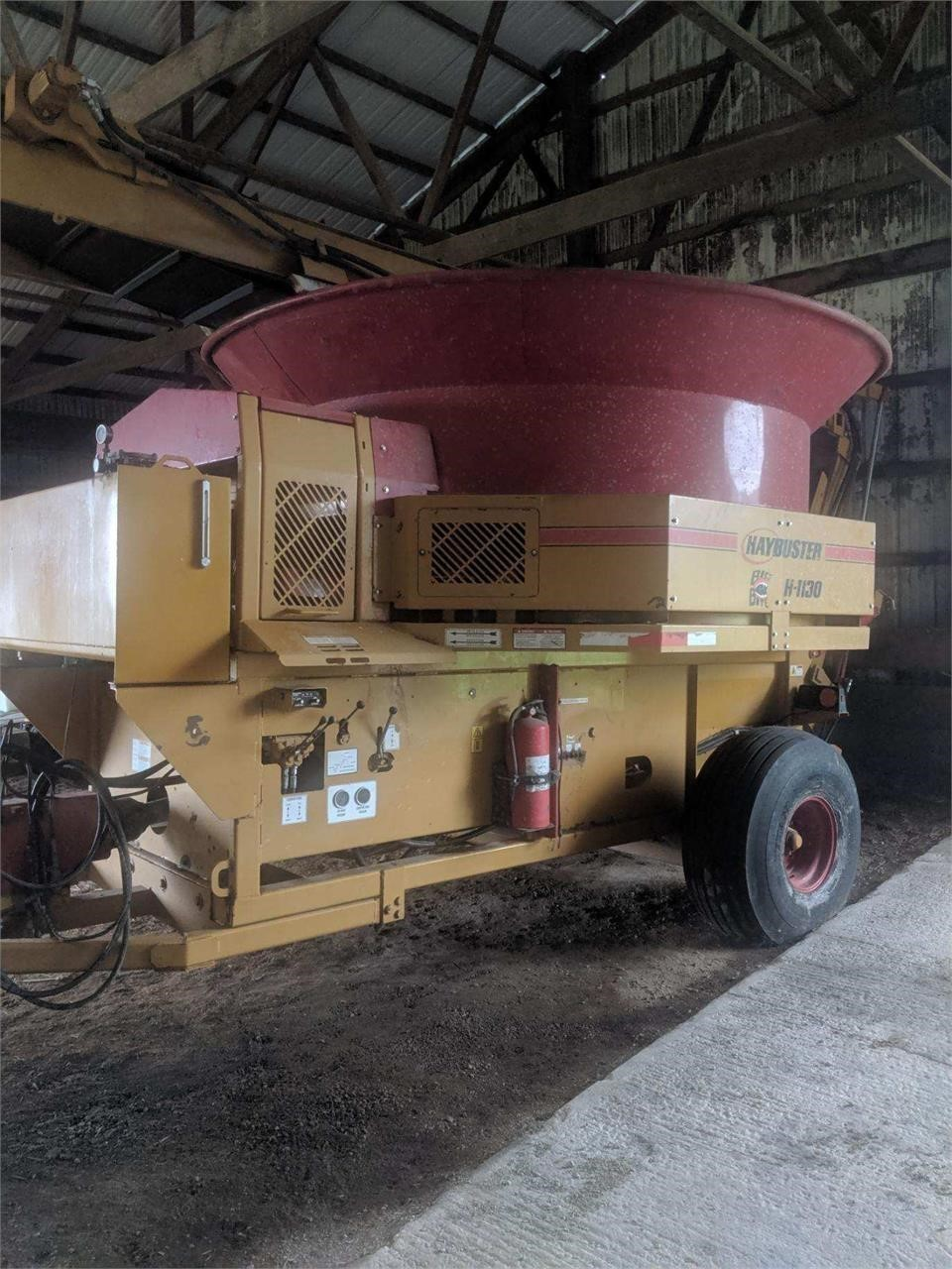 2014 Haybuster H1130 Grinders and Mixer