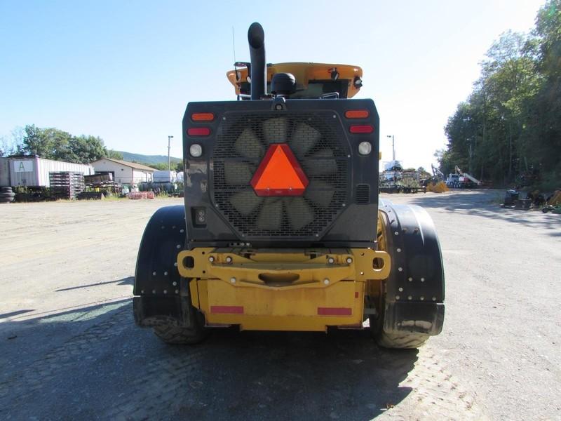2015 Deere 772G Scraper
