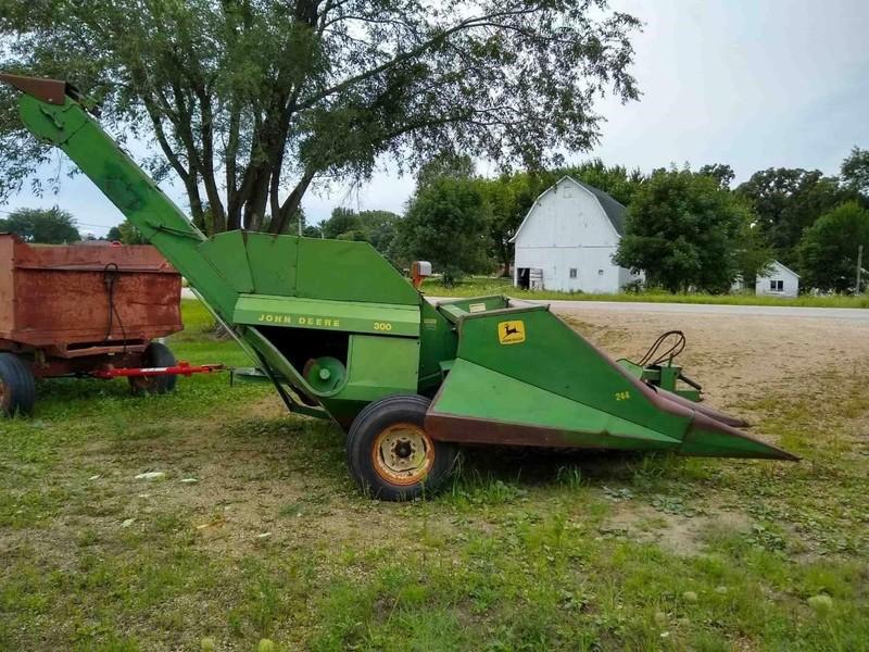 John Deere 300 Corn Picker