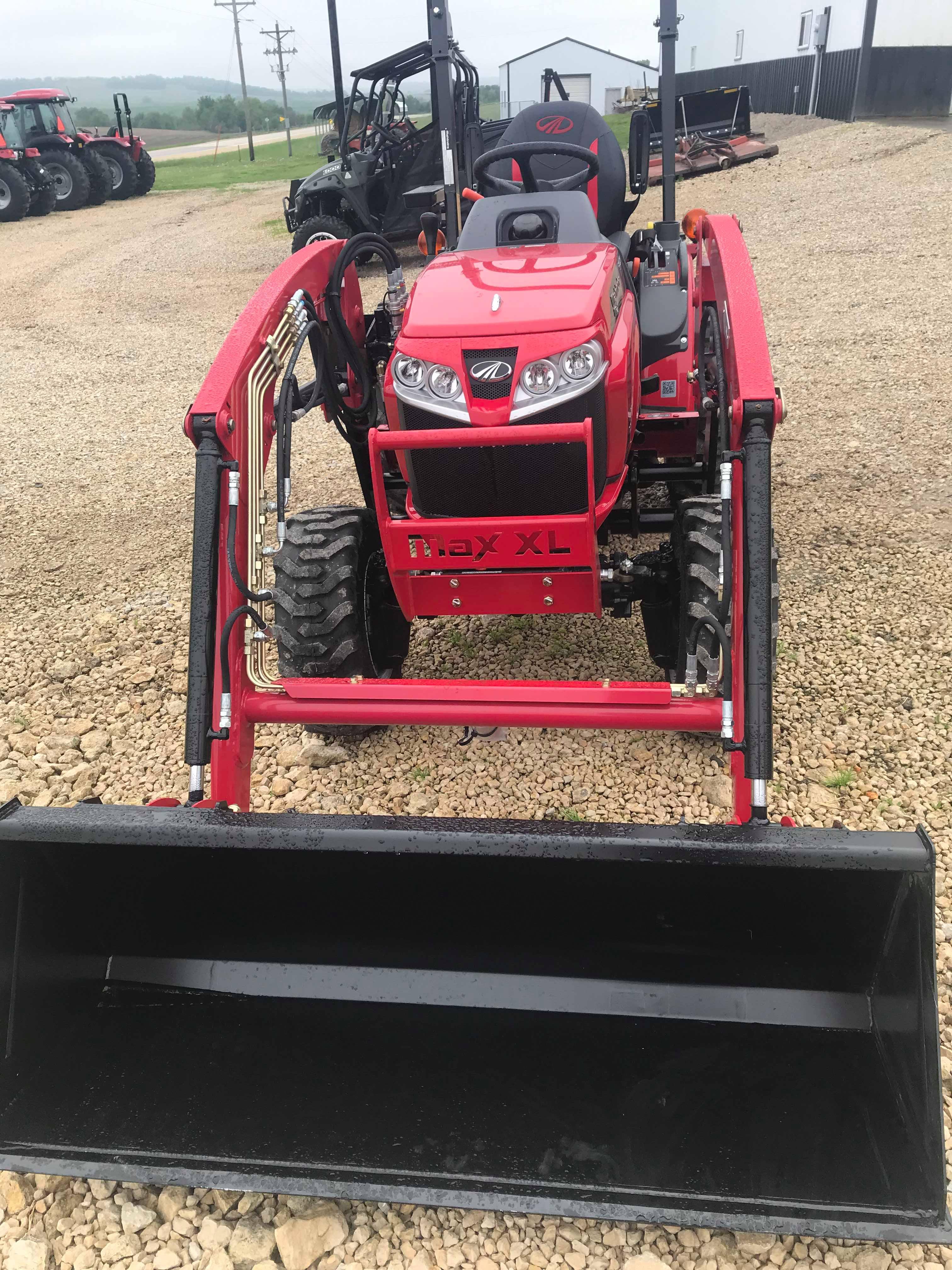 2019 Mahindra MAX 26XL Tractor