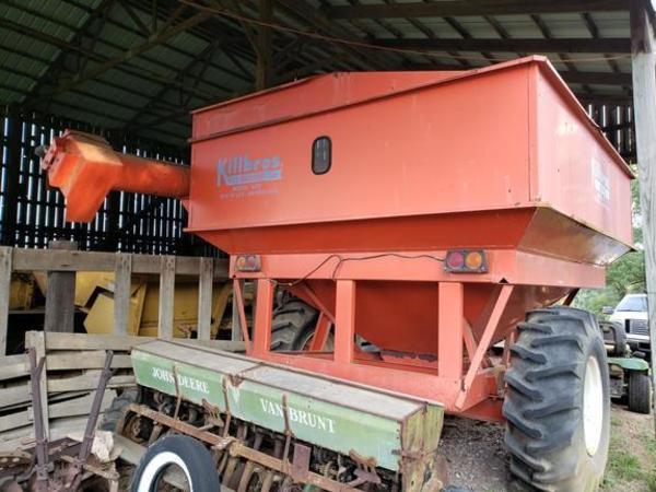 1986 Killbros 475 Grain Cart