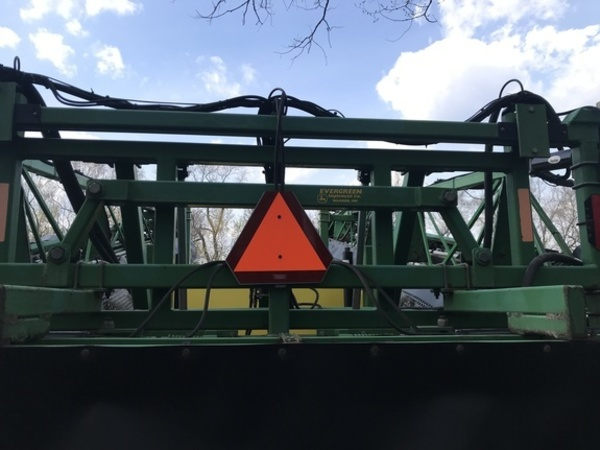2002 Summers Manufacturing Ultimate Pull-Type Sprayer