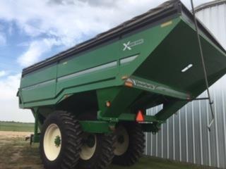 2016 Unverferth 1317 Grain Cart