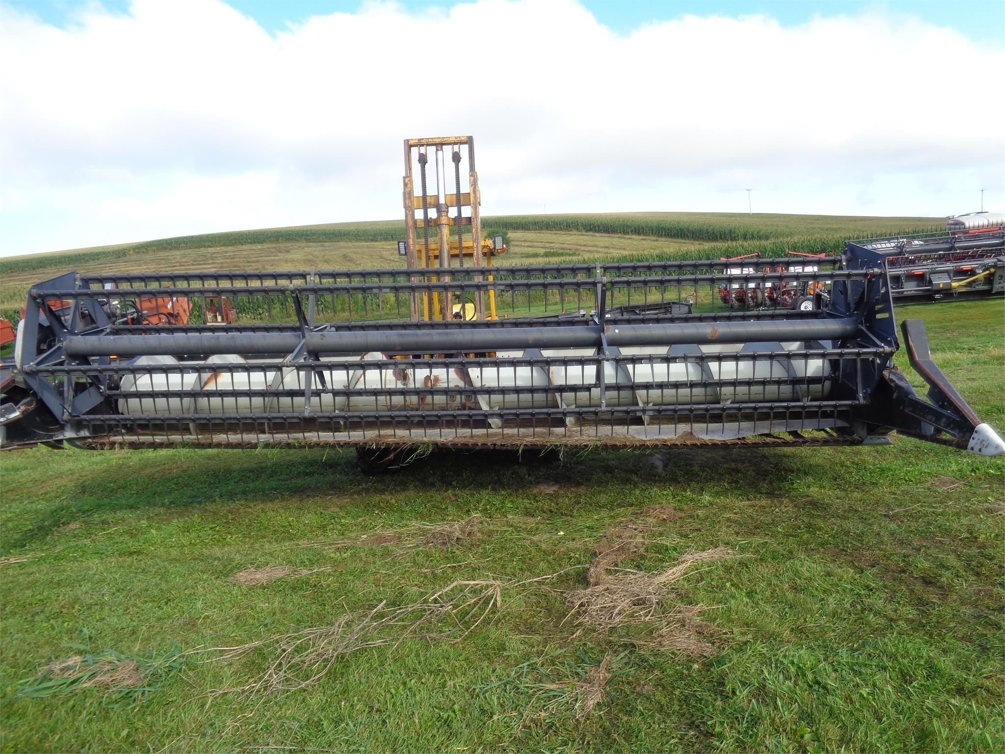 Gleaner 320 Platform
