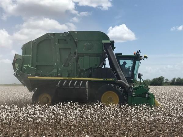 2019 John Deere CP690 Cotton
