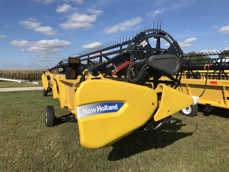 2012 New Holland 740CF-30 Platform