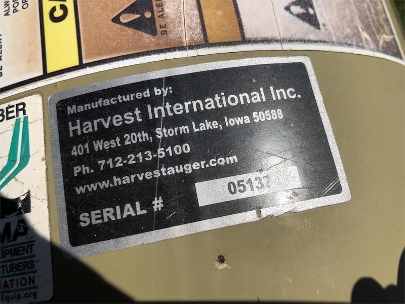 Harvest International H1382 Augers and Conveyor