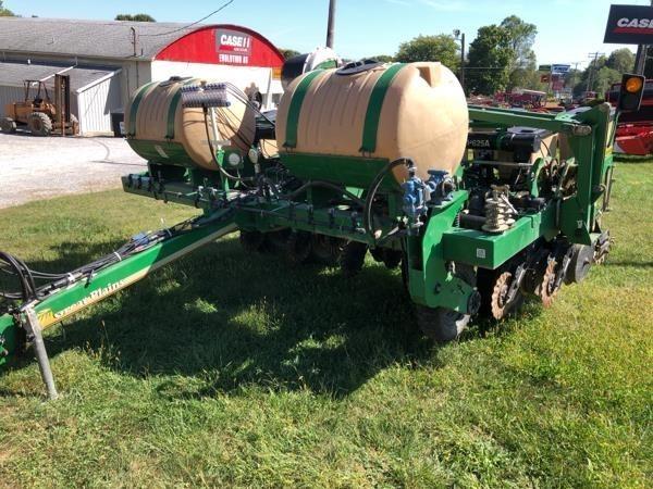 2011 Great Plains YP625A-12TR Planter