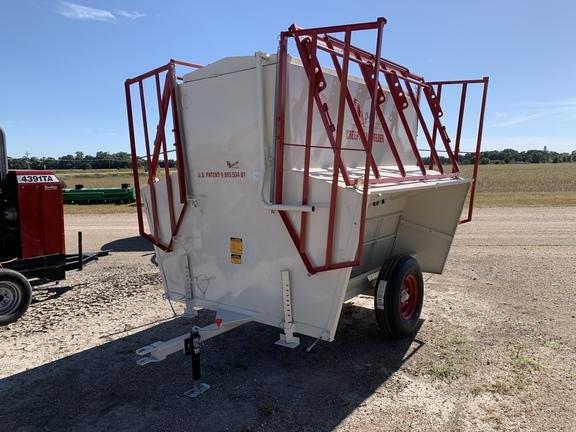 2019 Apache CF8A150 Feed Wagon