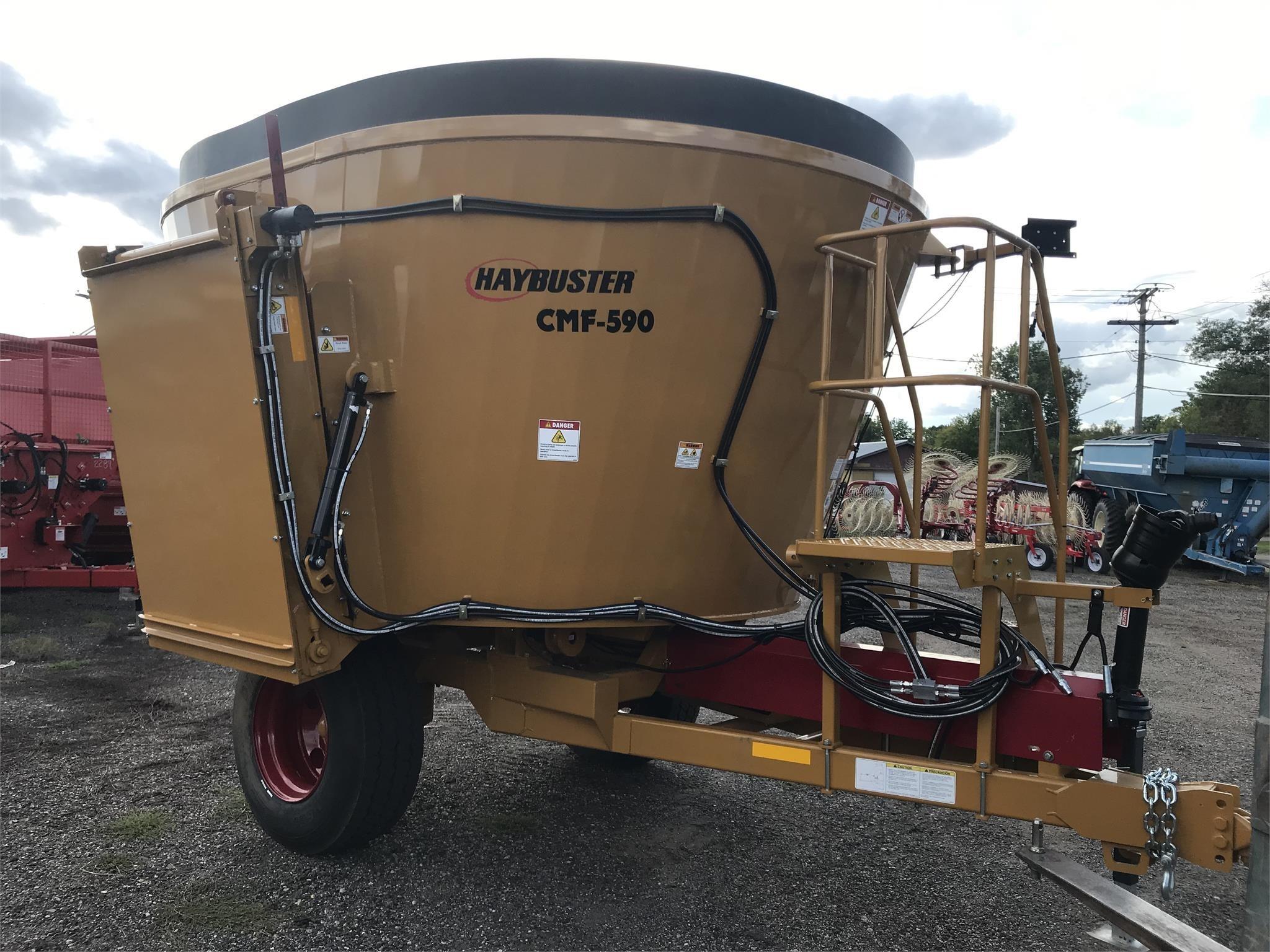 Haybuster CMF590 Feed Wagon