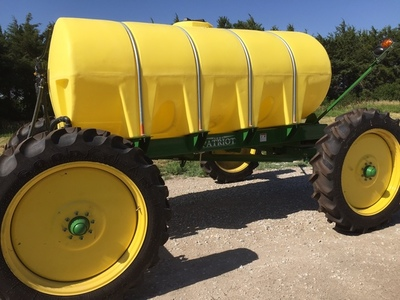 2013 Patriot 2000 ALL-WHEEL STEER Self-Propelled Fertilizer Spreader