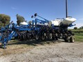 2013 Kinze 3700 ASD Planter