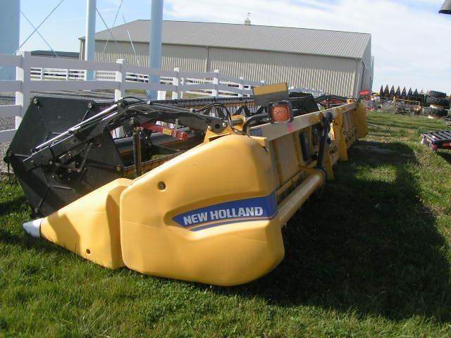 2013 New Holland 740CF-35 Platform