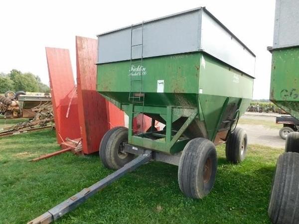 1986 Ficklin 4500 Gravity Wagon