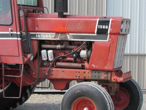 1975 International 1566 Tractor