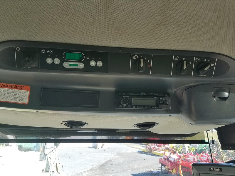 2010 Claas Lexion 570R Combine