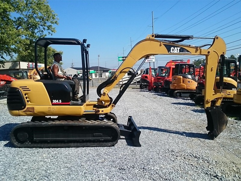 2002 Caterpillar 304.5 Excavators and Mini Excavator