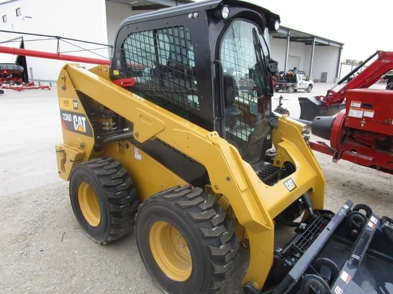 2018 Caterpillar 236D Skid Steer