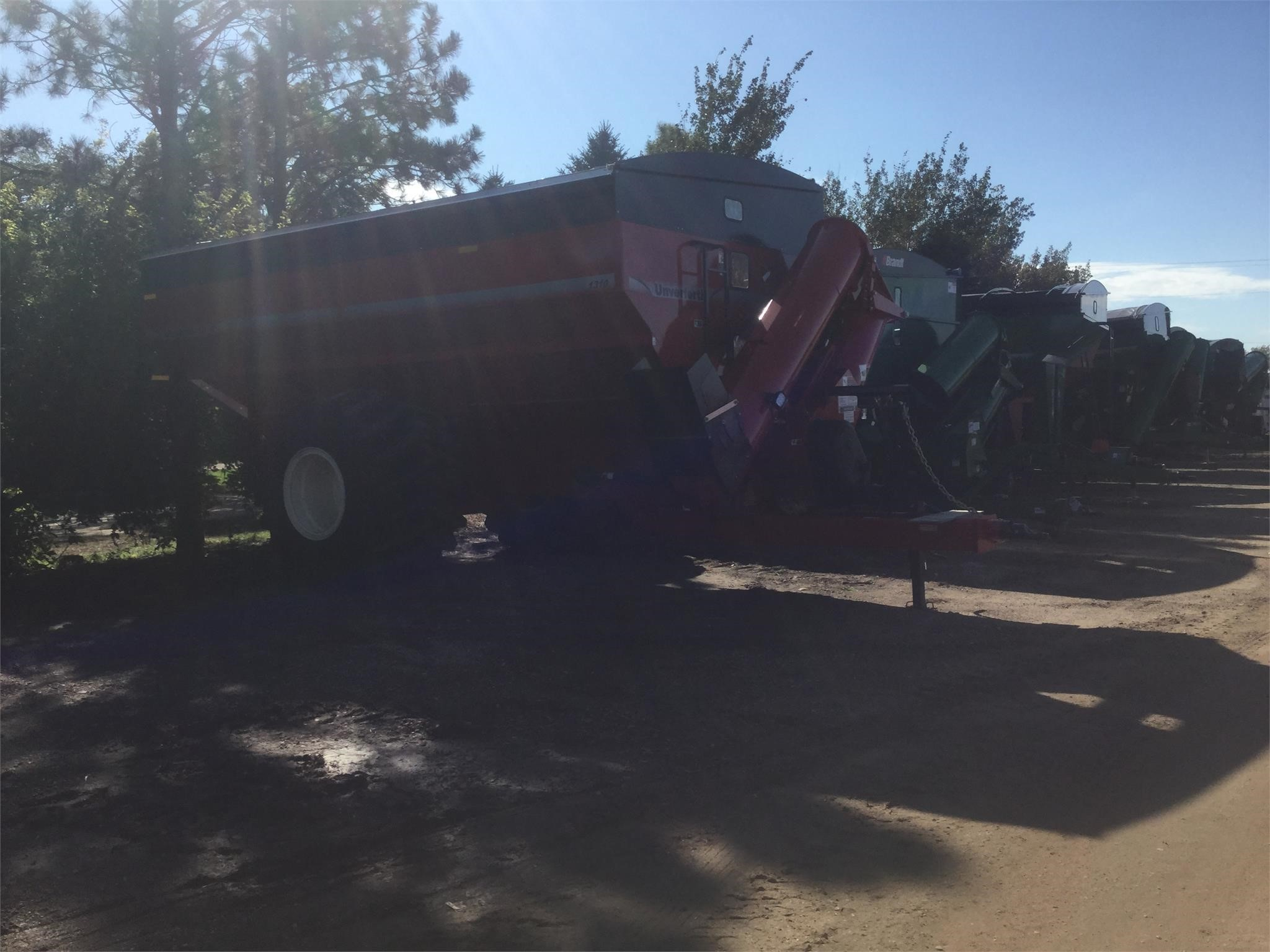 2019 Unverferth 1310 Grain Cart