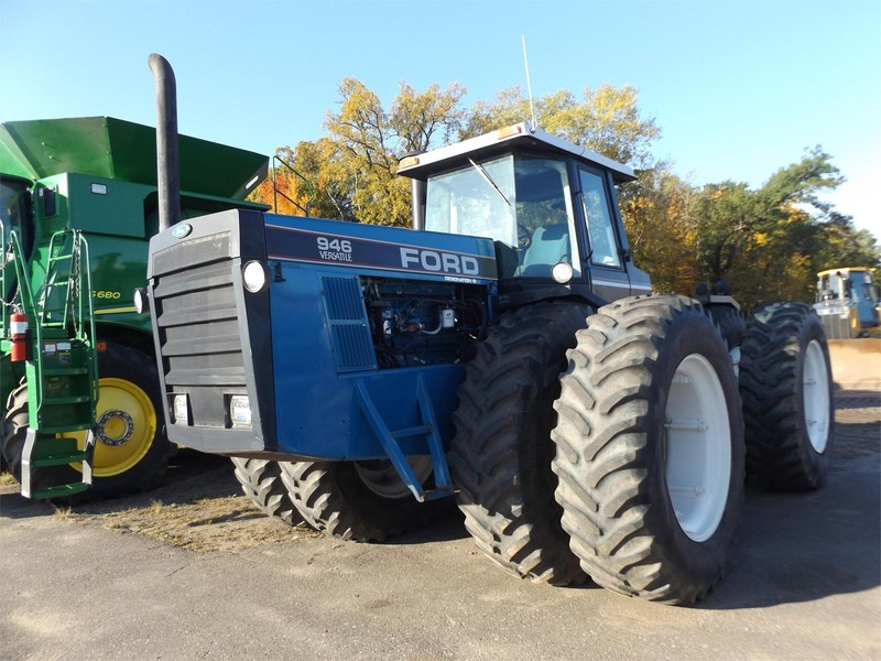 1992 Ford Versatile 946 Tractor
