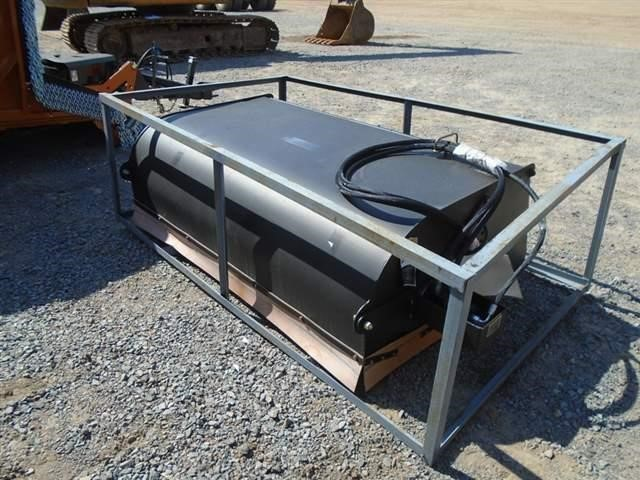 TMU 560 Loader and Skid Steer Attachment