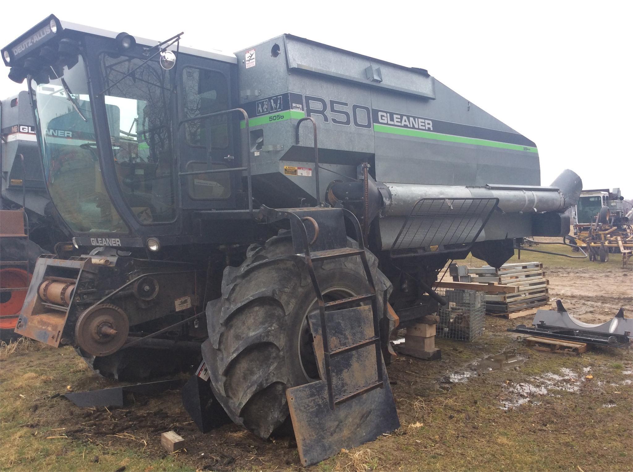 Gleaner R50 Combine
