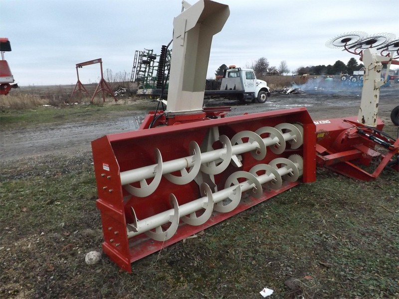 Buhler Farm King Y1080C Snow Blower