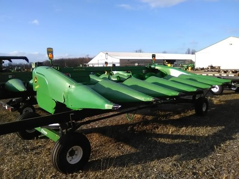 2011 John Deere 606C Corn Head