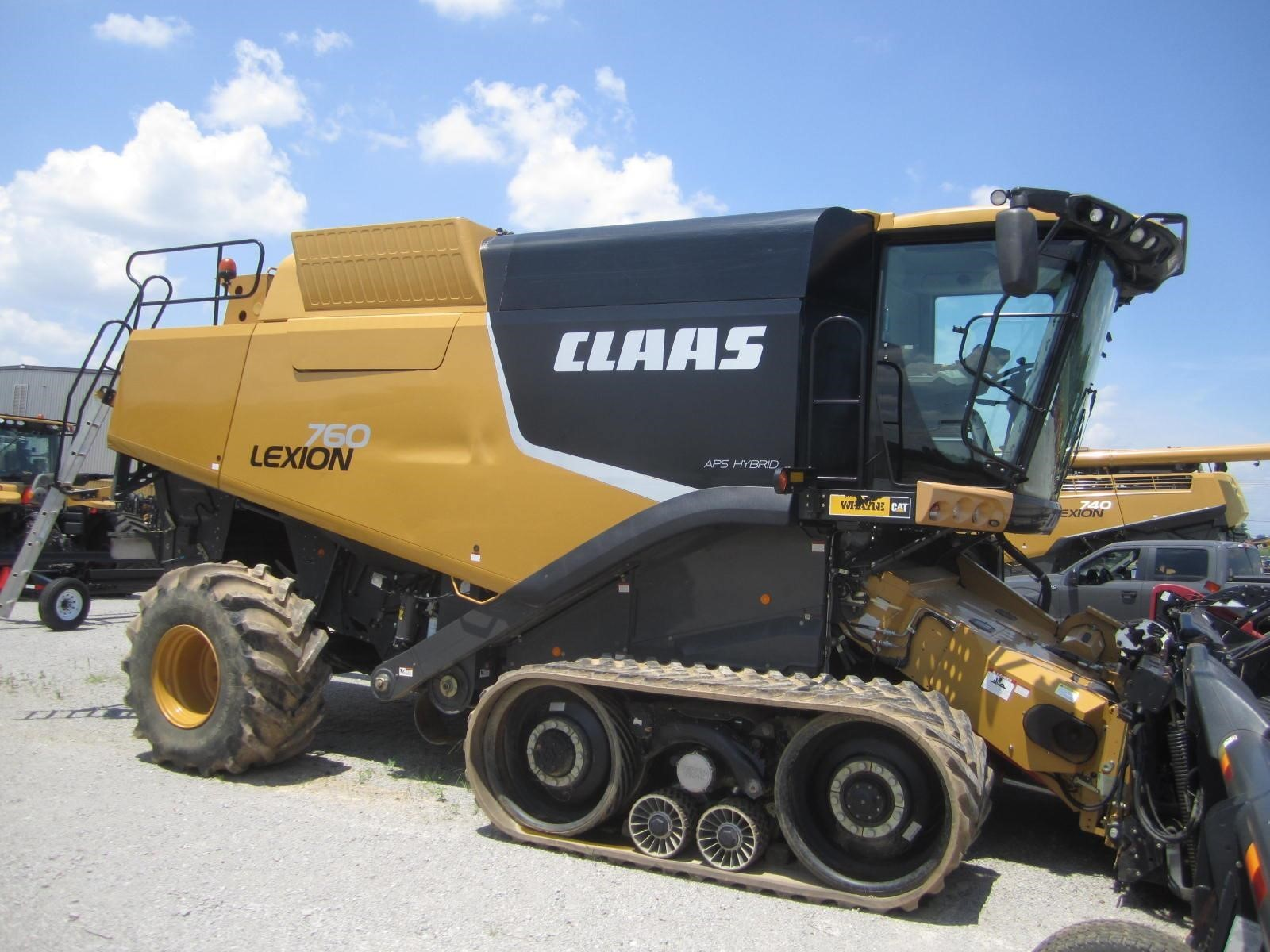2013 Claas Lexion 760TT Combine