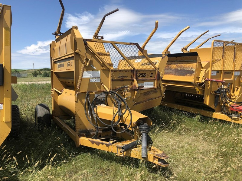 Haybuster 256 Plus II Grinders and Mixer