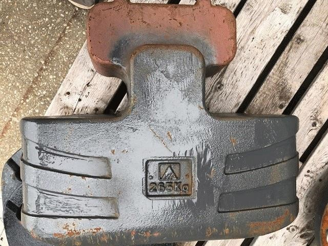 2000 AGCO BELLY WEIGHT Miscellaneous