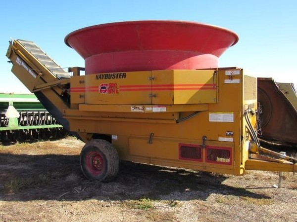 Haybuster H1000 Grinders and Mixer