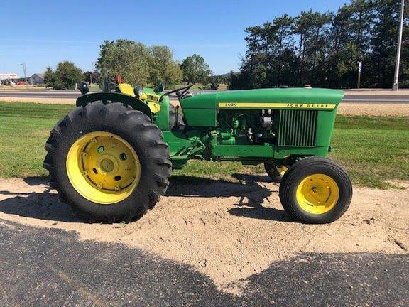 1972 John Deere 2020 Tractor