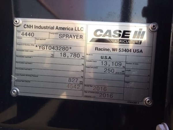 2016 Case IH Patriot 4440 Self-Propelled Sprayer