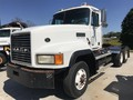 2000 Mack CL700 Semi Truck