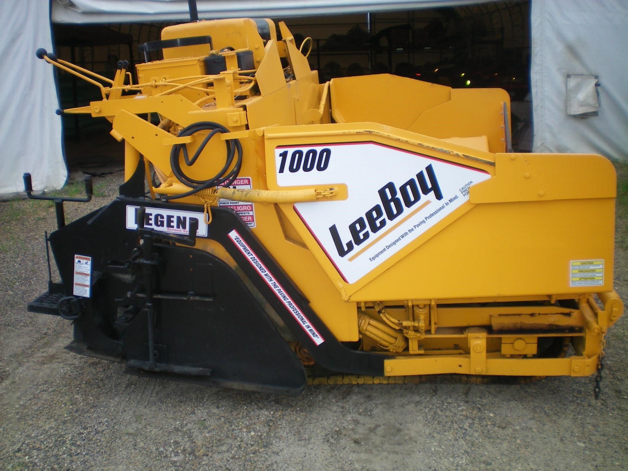 2007 LeeBoy 1000T Compacting and Paving