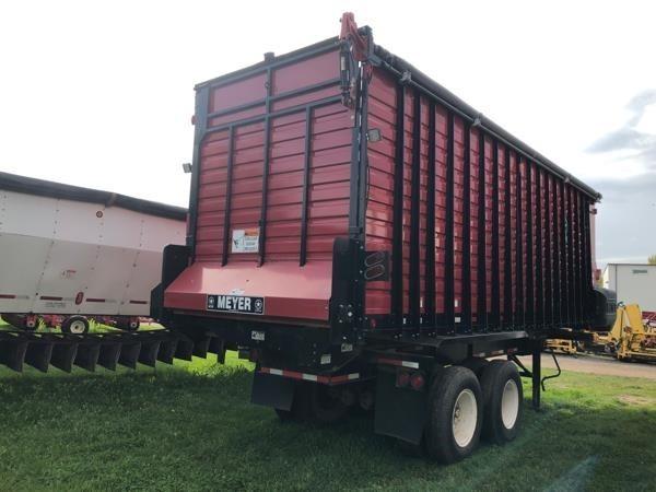 2015 Meyer 6224 Forage Wagon