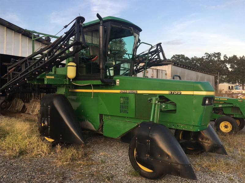 2007 John Deere 6700 Self-Propelled Sprayer