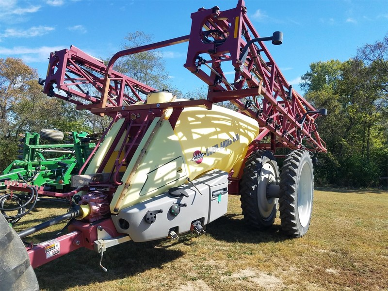 Hardi Commander 4400 Pull-Type Sprayer