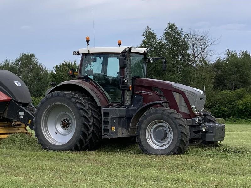 2011 Fendt 826 Vario Tractor