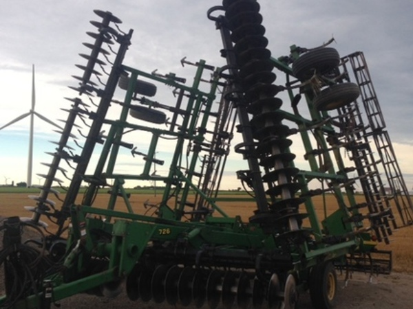 2002 John Deere 726 Soil Finisher
