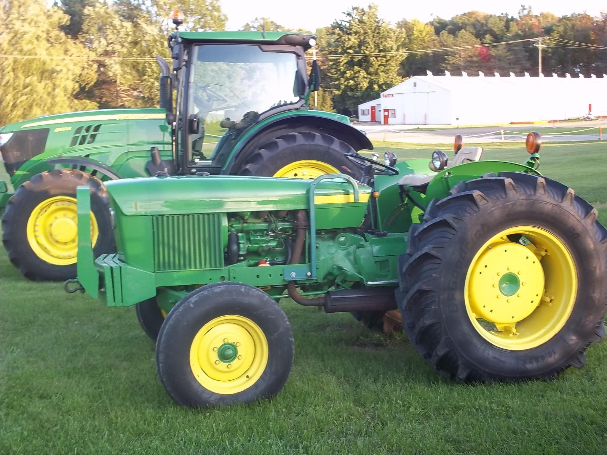 1975 John Deere 1530 Tractor
