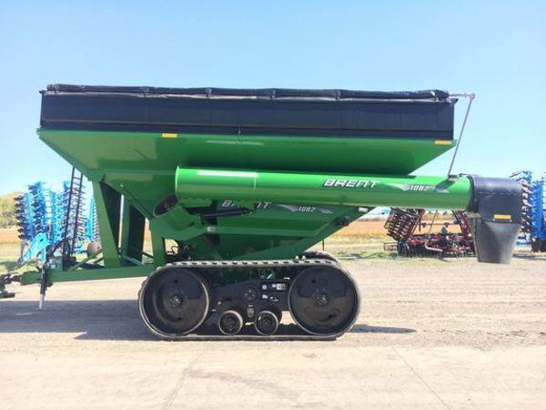 2011 Brent 1082 Grain Cart