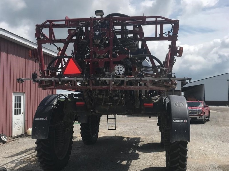 2017 Case IH Patriot 3340 Self-Propelled Sprayer