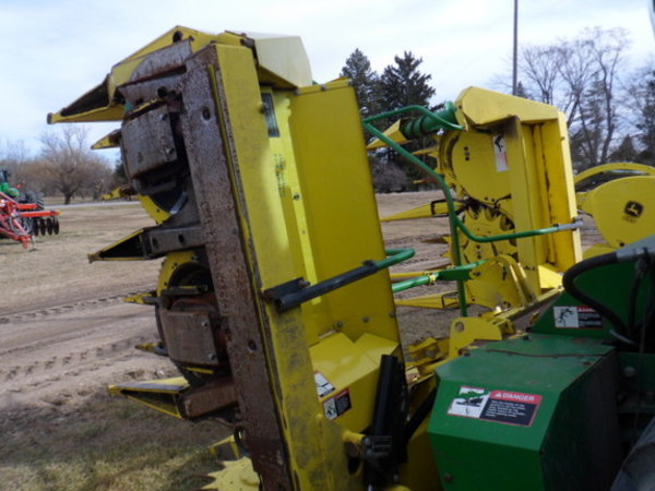 2009 John Deere 688 Forage Harvester Head