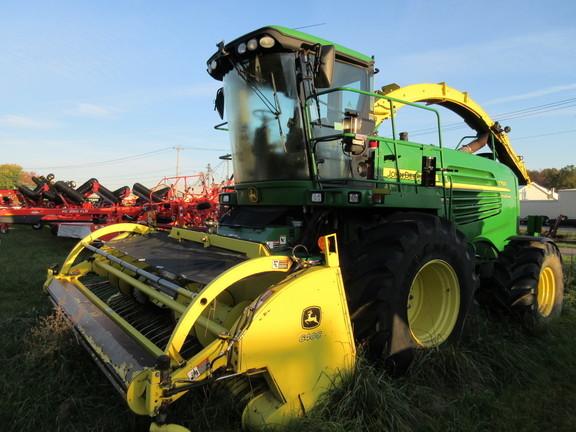 2011 John Deere 7750 Self-Propelled Forage Harvester