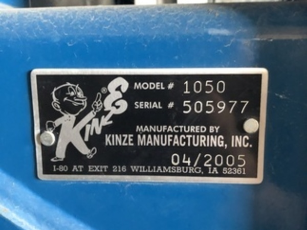 2005 Kinze 1050 Grain Cart