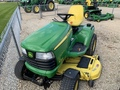 2013 John Deere X720 Lawn and Garden